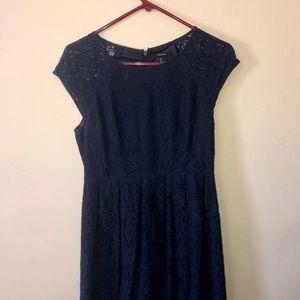 Navy Blue Lace Dress / Women's L